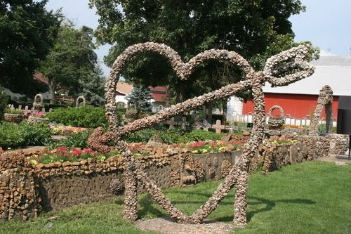 Rock Sculpture At Rockome Gardens In Arcola Illinois Favorite Family Vacations Illinois Travel Beautiful Places