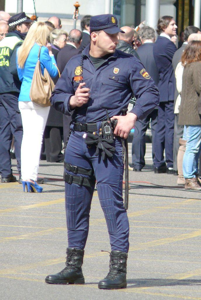 Pin By Thch B On Hot Cops  Men In Uniform, Cop Uniform -6581