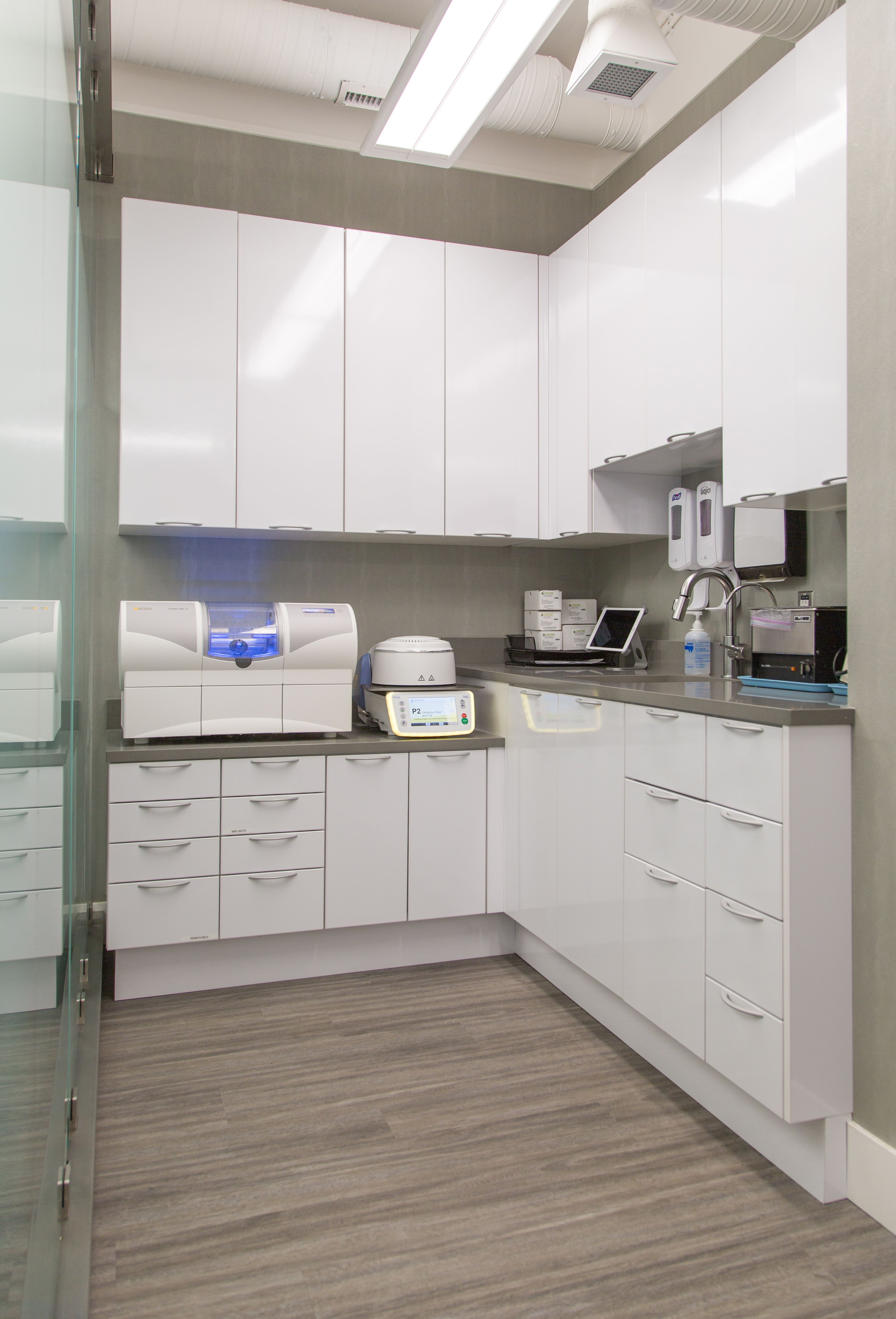 Laboratory Room Design: A-dec Inspire Dental Cabinet Sterilization Center With