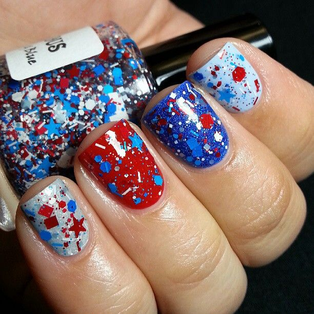 Nail Art Blue And Red: Sparkling Red, White, And Blue Nails