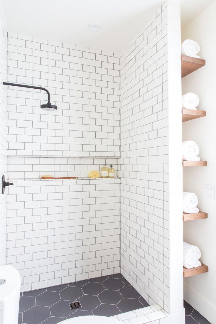 Bathroom Design Dark Floor Light Walls Designbathroomcabinetswithlights Farmhouse Shower Shower Tile Designs Modern Farmhouse Bathroom