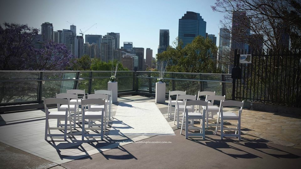 Amazing Wedding Ceremony On The Kangaroo Cliffs Overlooking Brisbane River Brisbaneweddingdecorators