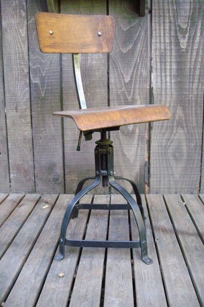bienaise chaise tabouret atelier nicolle singer tolix mobilier industriel jielde my pinterest. Black Bedroom Furniture Sets. Home Design Ideas