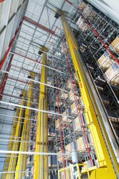 High-rise racking for pallets