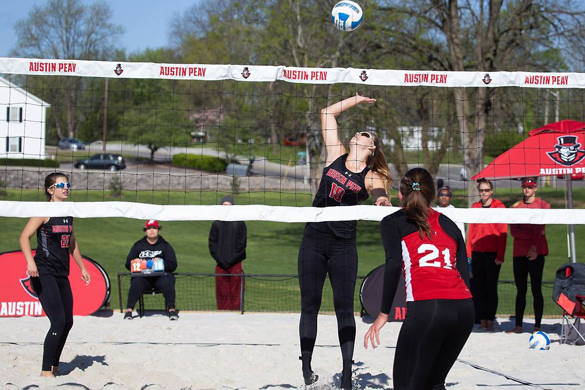 Apsu Beach Volleyball Loses Final Matches At March To May Invitational Clarksville Tn Online Jacksonville State Beach Volleyball Volleyball