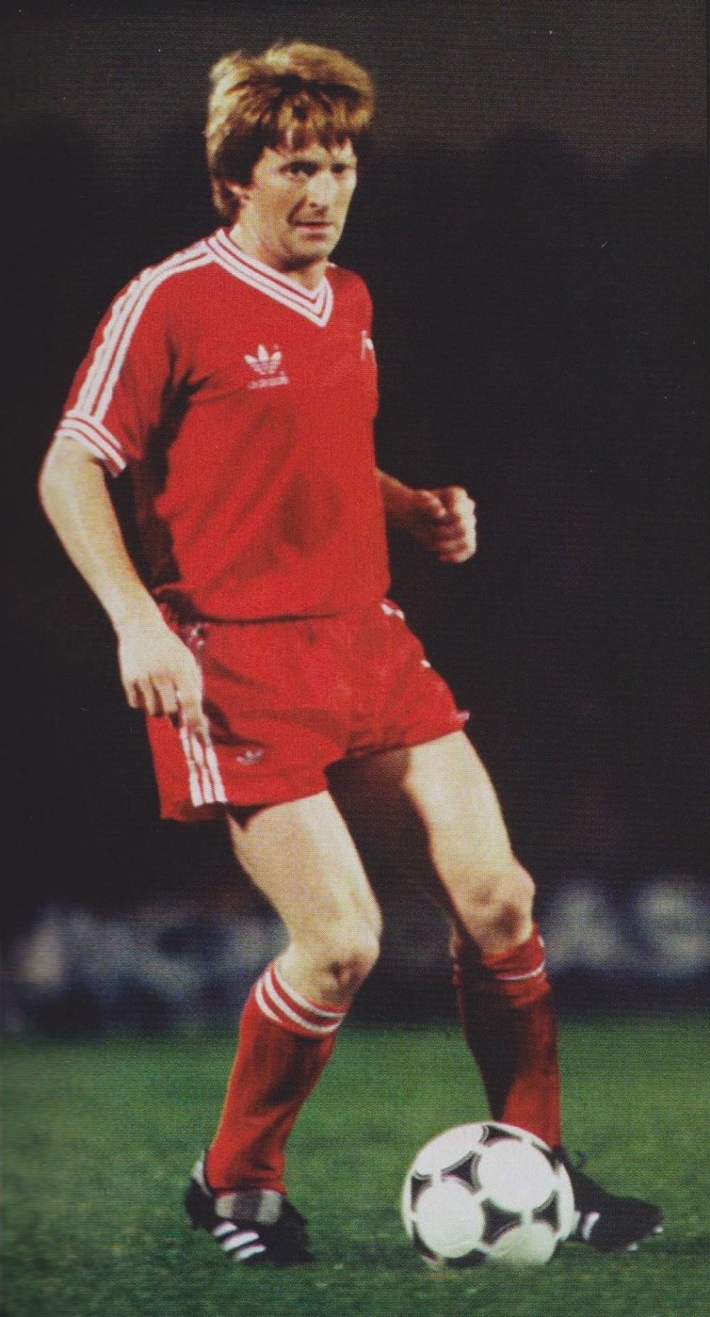 Gordon Strachan Aberdeen Aberdeen Football Football Shirts Football Club