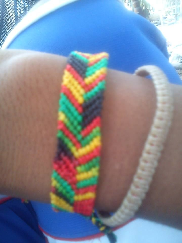 tipo V colores jamaiquinos