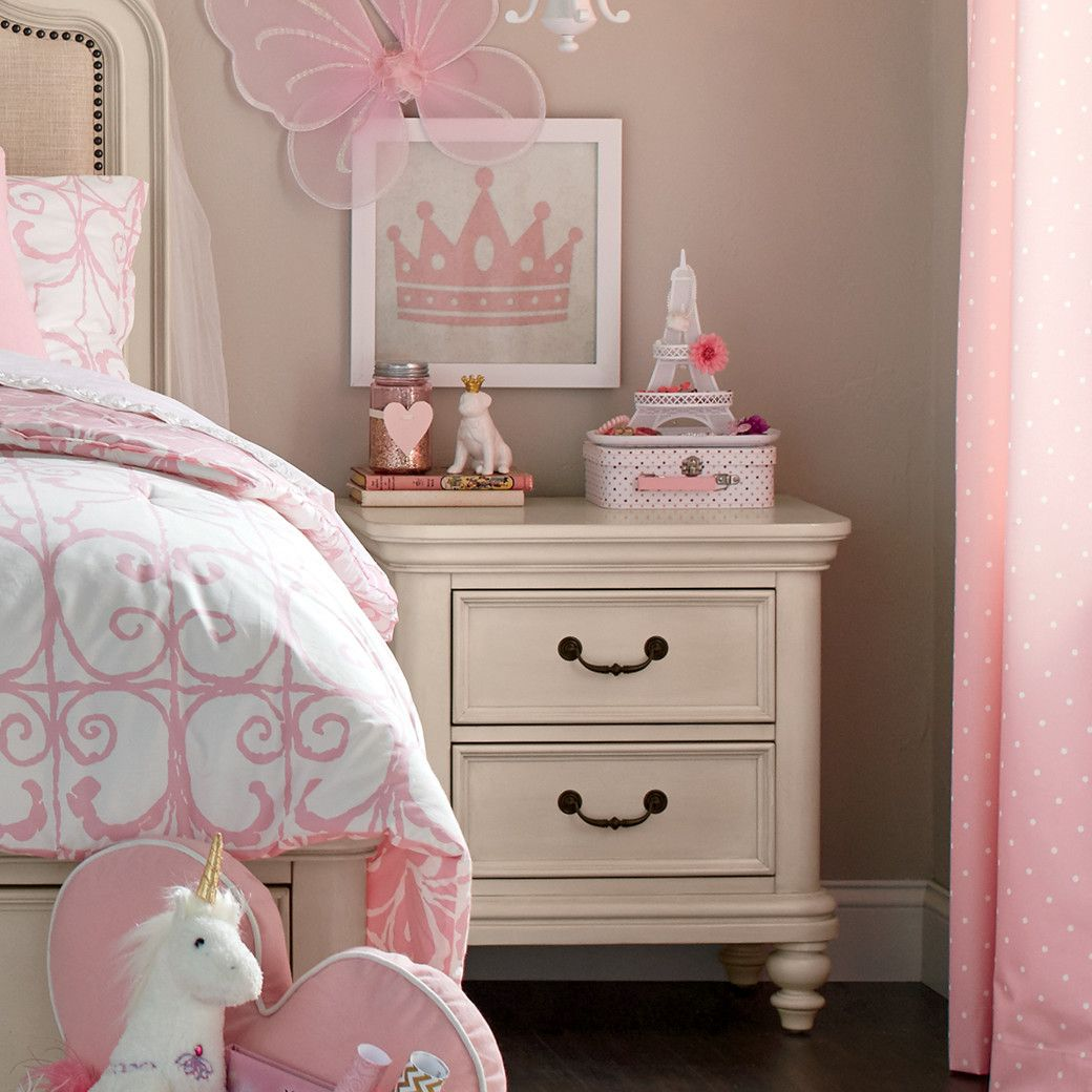 White Bedroom Ideas With Wow Factor: Nightstand Decor, Kids Nightstand