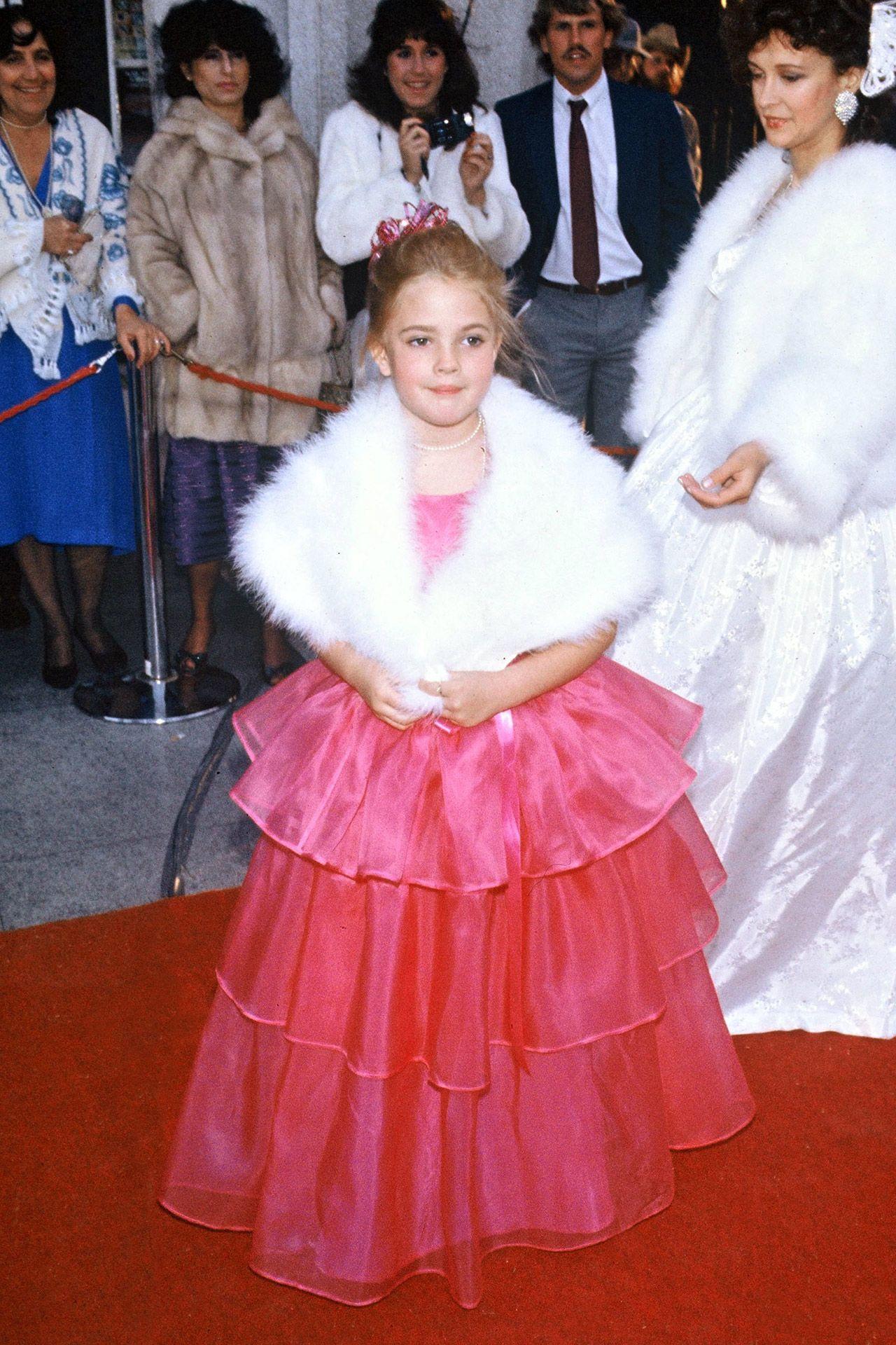 Then vs now celebritiesu first oscar dresses stay true and celebrity