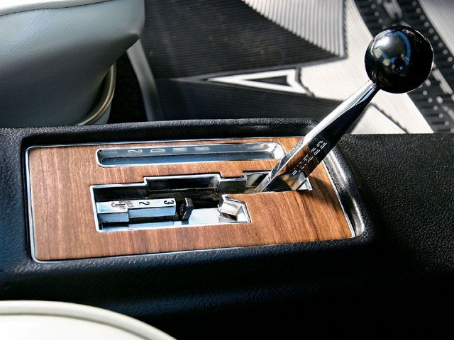 """HURST """"DUAL GATE"""" SHIFTER Mostly used on GM cars; kept"""