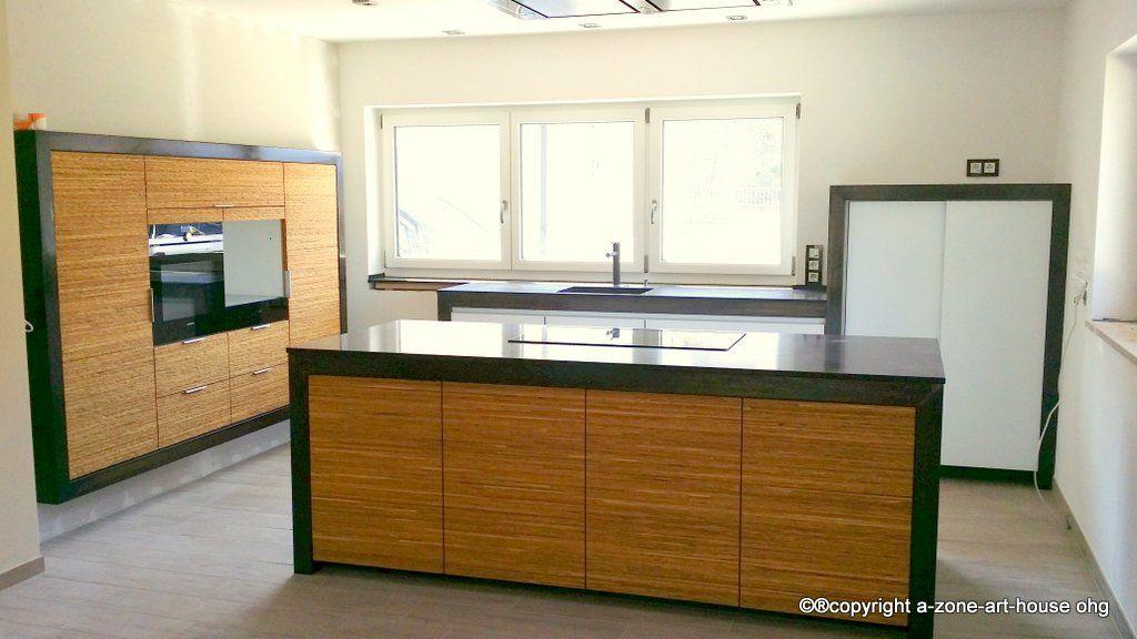 Massivholz-Küche aus Eiche, Front Wall mit Glasfront gemischt - küchenstudio kirchheim teck