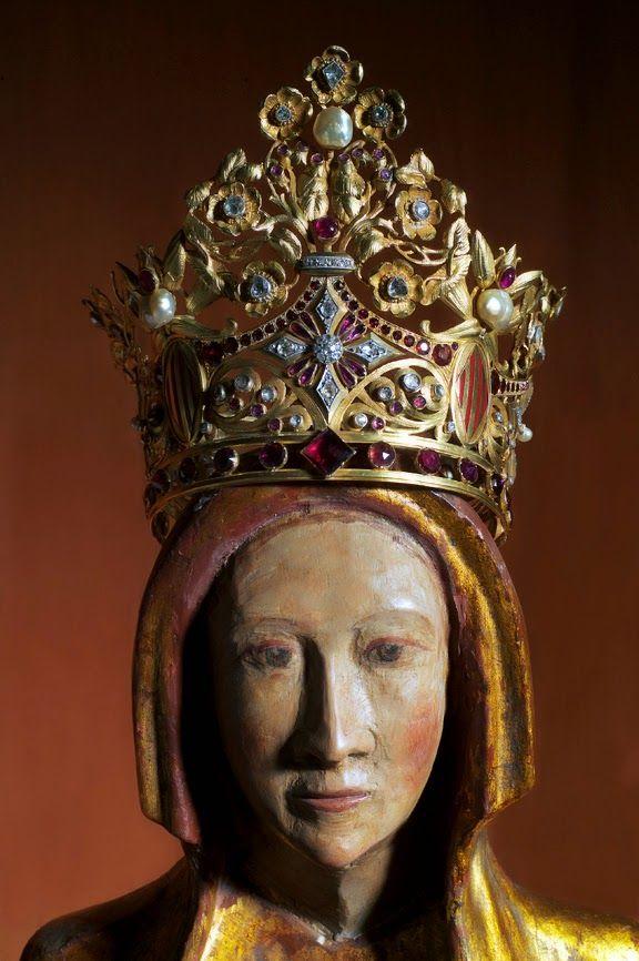 couronne de notre dame de font romeu  c u0026 39 est un article sur les couronnes des vierges en or et