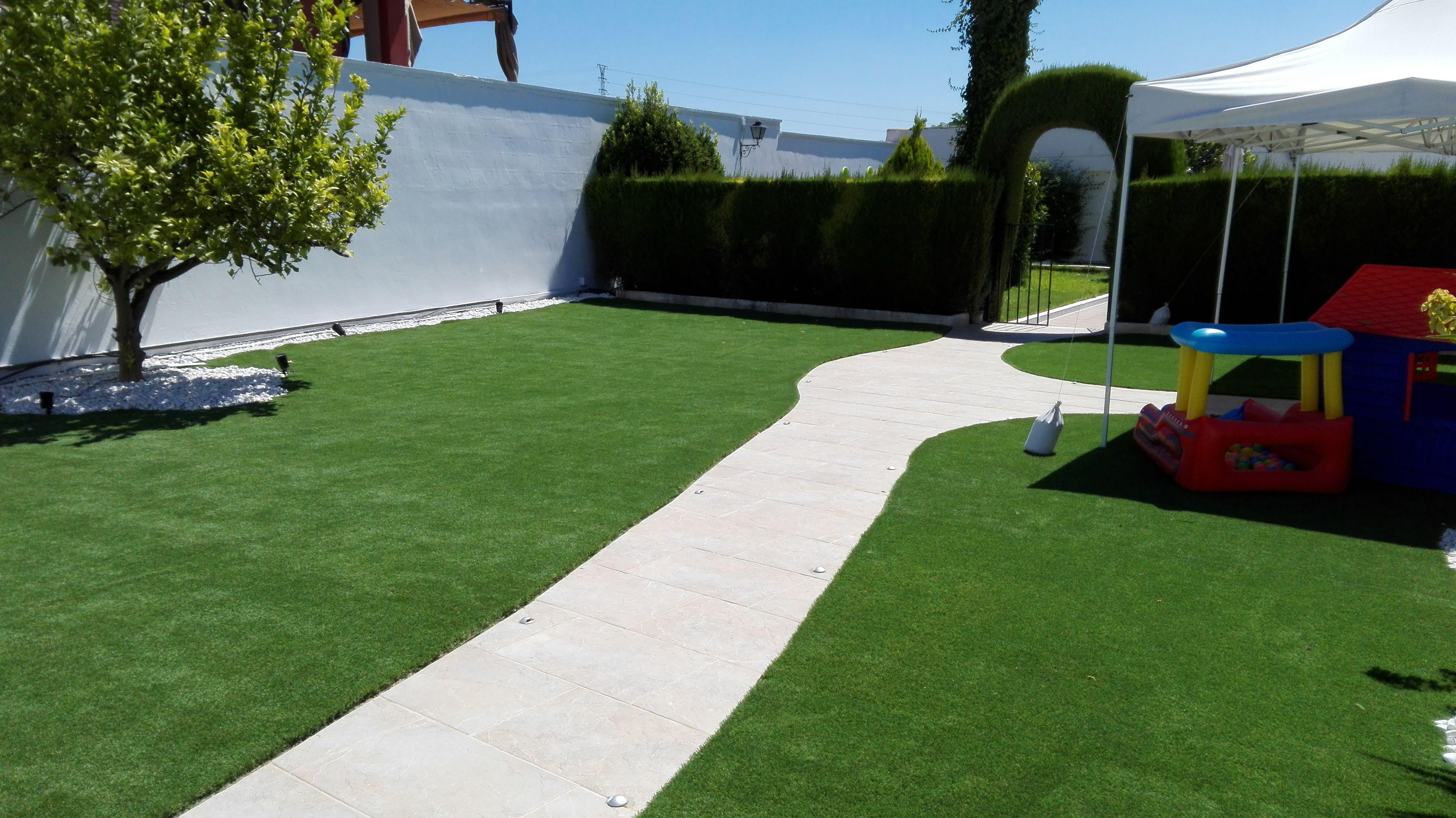 Jardín actualizado para el disfrute de los mas pequeños de la casa