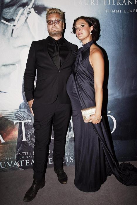 Antti Jokinen ja Krista Kosonen saapuivat yhdessä Kätilö-elokuvan ensi-iltaan 2. syyskuuta.