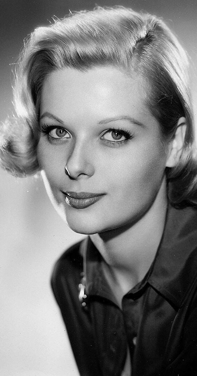 Margo Moore was born on April 29, 1931 in Chicago