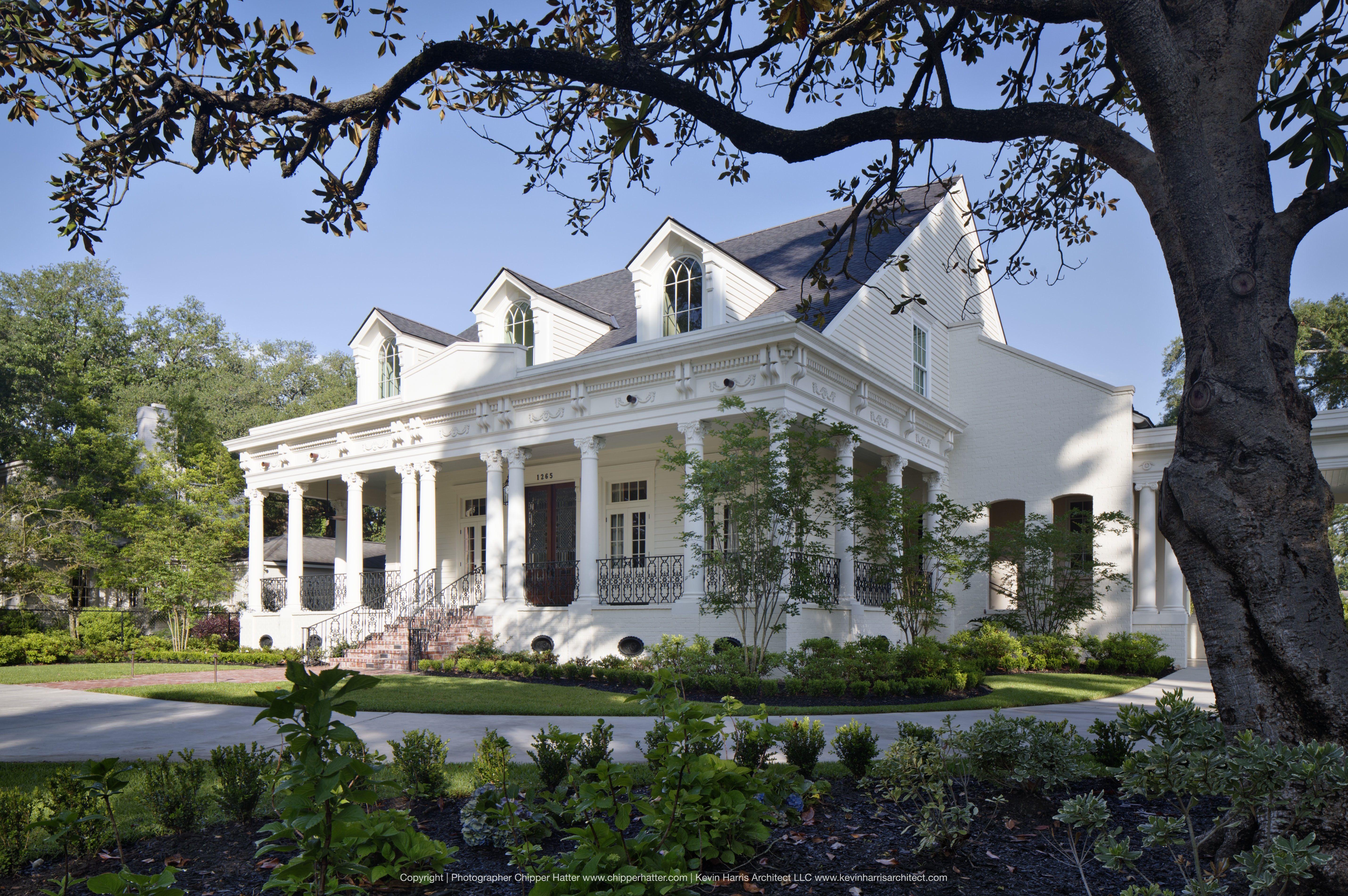 30++ White house with wrap around porch type
