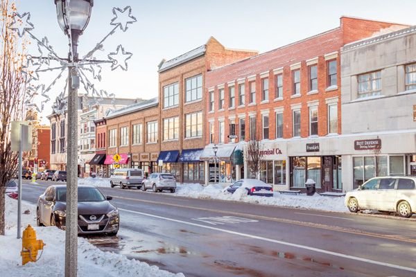 Main Street In Downtown Janesville Wi During Winter Janesville Wisconsin Janesville Downtown