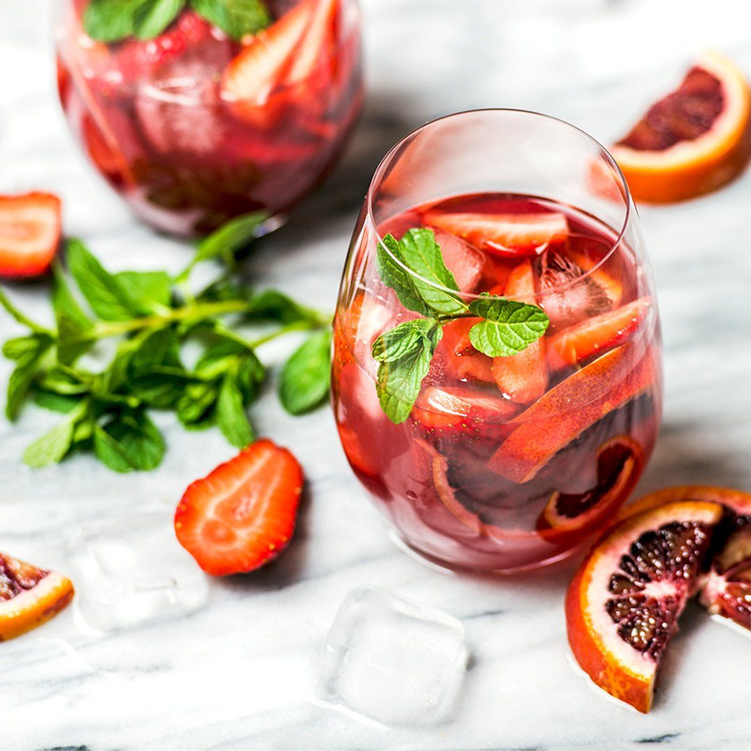 When Life Gives You Lemons Make Sangria Check Out Our Batch Sangria Recipes And Give Your Drink The Fruity Flai Sangria Recipes How To Make Sangria Sangria
