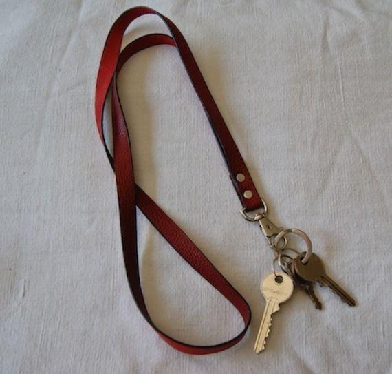 Tour de cou pour votre badge ou vos clefs bordeaux