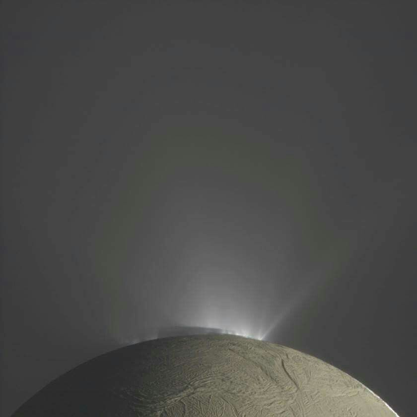Fountains of Enceladus. | Saturn, Saturns moons, Cosmos space