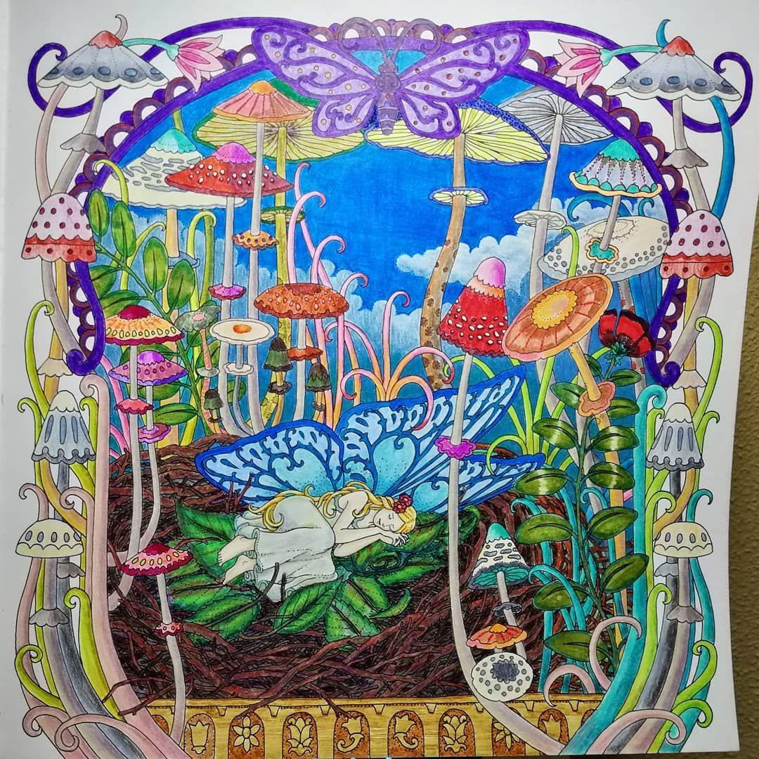 #coloringbook #sprookjesbos #tomislavtomic #sleepingelf #sleepingfaery #elf #faery #bedofleaves #paddos #mushrooms #flora #innocence…