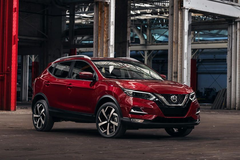 2020 Nissan Rogue Sport Arrives With Fresh Styling And Tech En 2020 Nissan Rogue Nissan Todocamino