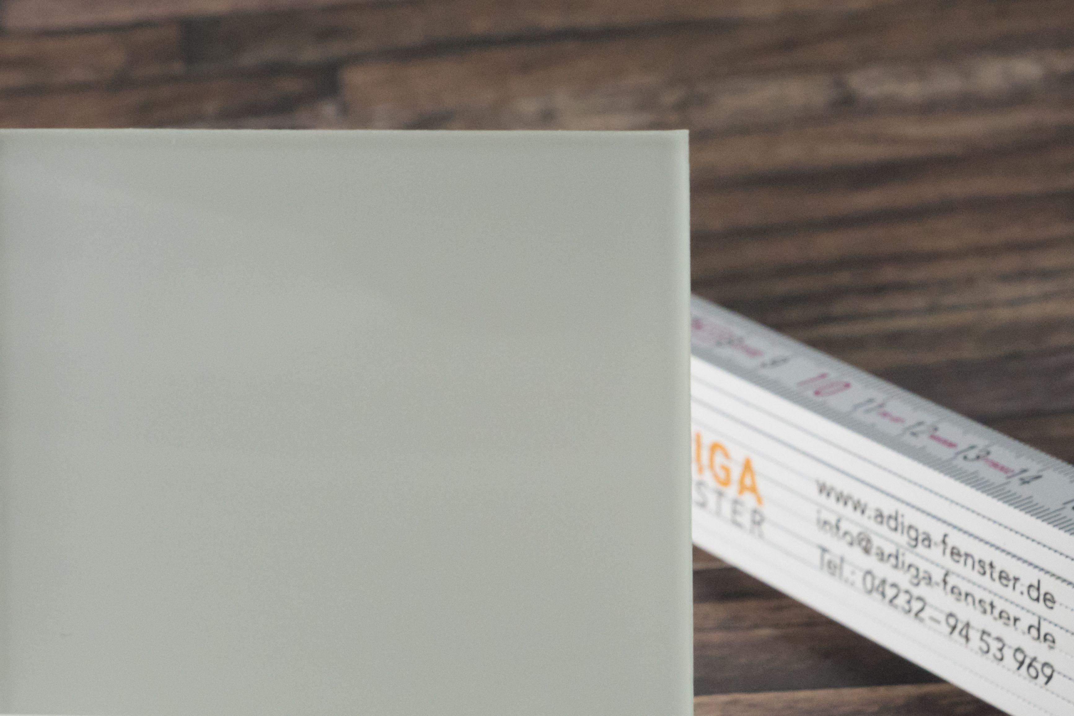 Super Verbundsicherheitsglas mit matter Folie bietet Sicherheit und OB52
