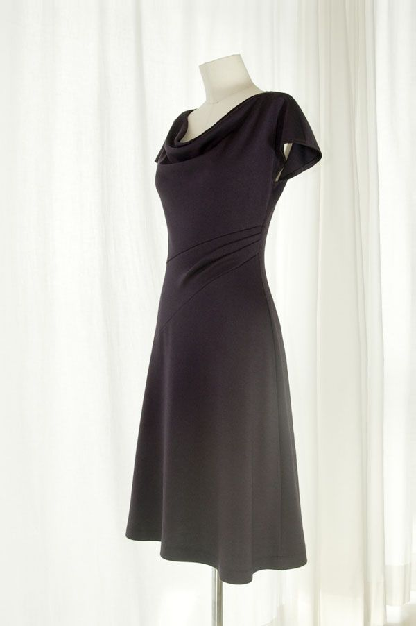 The Eva dress free pattern. Now in Plus Sizes! (18 & 20) | More ...