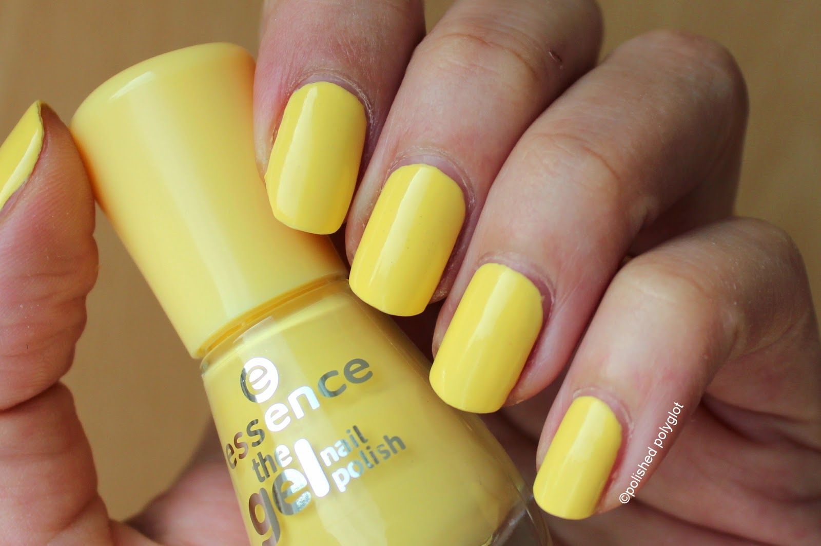 Essence The gel nail polish. Color, base and top coat [Review ...