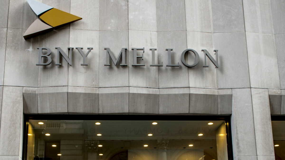 Bank Of New York Mellon Q4 Adjusted Earnings Inline With Estimates In 2020 Earnings New York Inline
