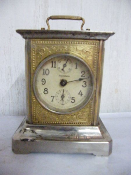 Antiguo Reloj De Mesa De Madera, Funciona !! $ 10000.0 , Antigüedades La Rueda