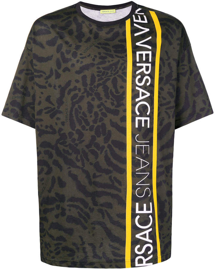 5faa1faff Versace animal print logo trim T-shirt   Products   Versace jeans ...