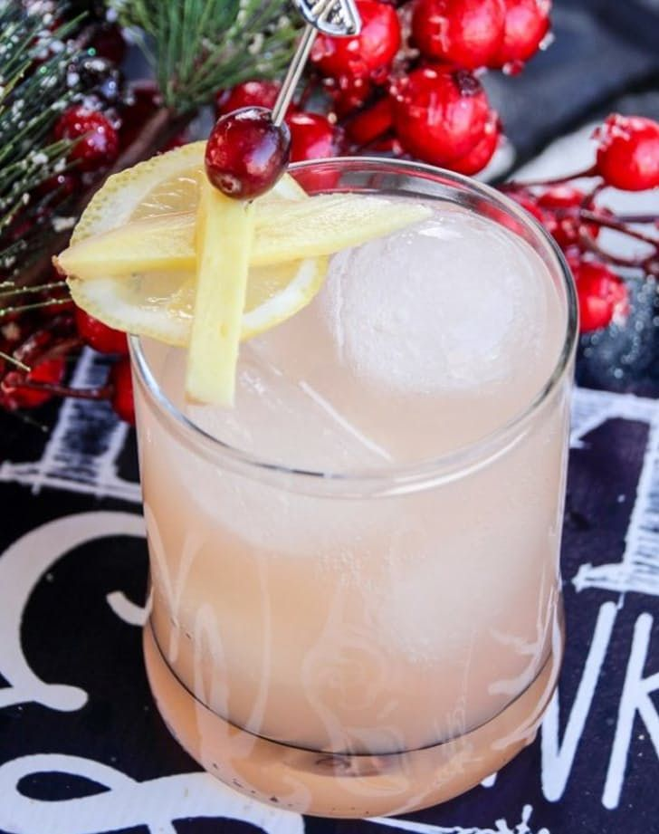 the best holiday mocktails for pregnant people  christmas