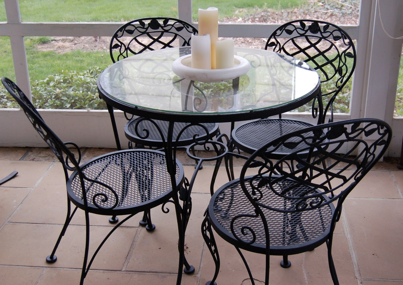 Woodard Chantilly Rose Round Table With 4 Chairs Offered On Ebay