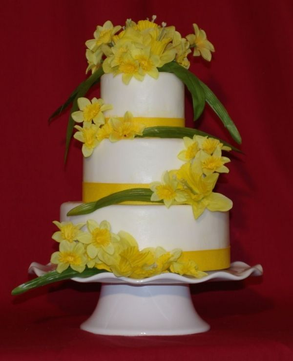 Daffodil Wedding Cake | ⚛╮Cakes of The Spring & Easter | Pinterest ...