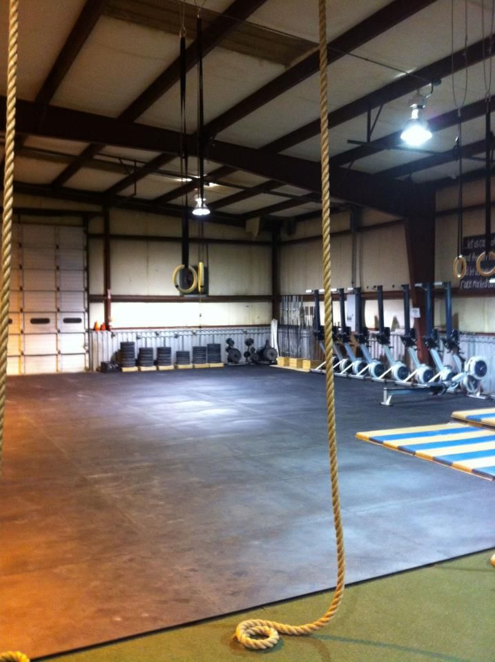 "Searcy Cross Fit Kodiak 3/4"" Hammerlock Rubber Flooring Tiles #RubberFlooring #Crossfit #Fitgirl"