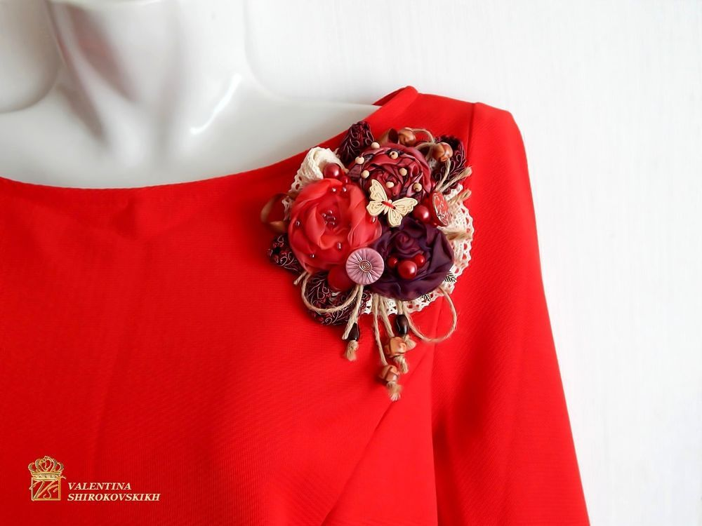 Exclusive, unusual author's design brooch with the original design, which attracts the attention of others. This brooch can be worn on ceremonial event, a walk through the city to work.
