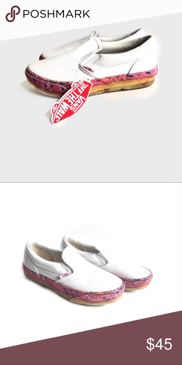 white slip on vans size 3