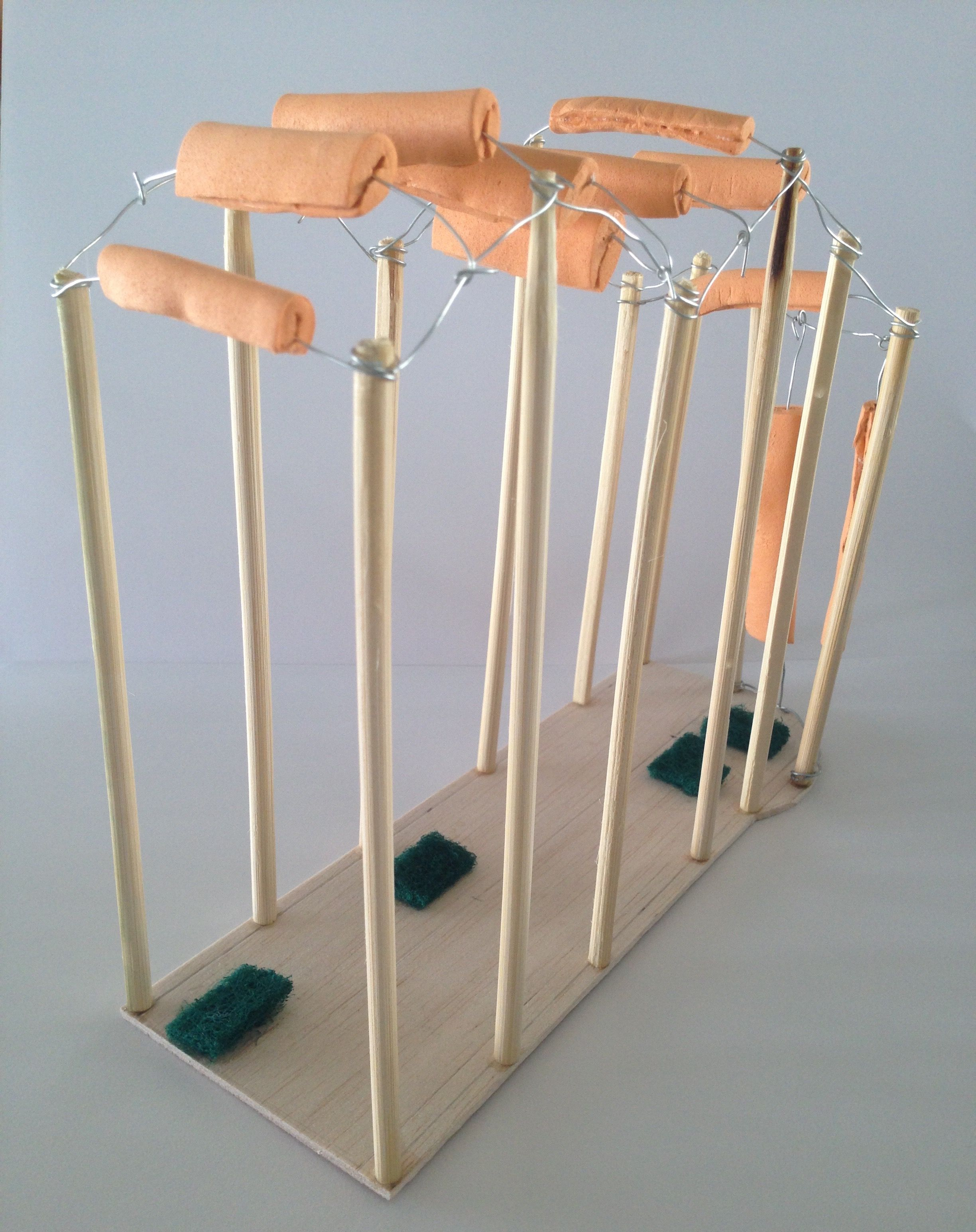 Model untuk 1:1 (skala 1:10) - Paramitha R, kelas 1 kelompok 4