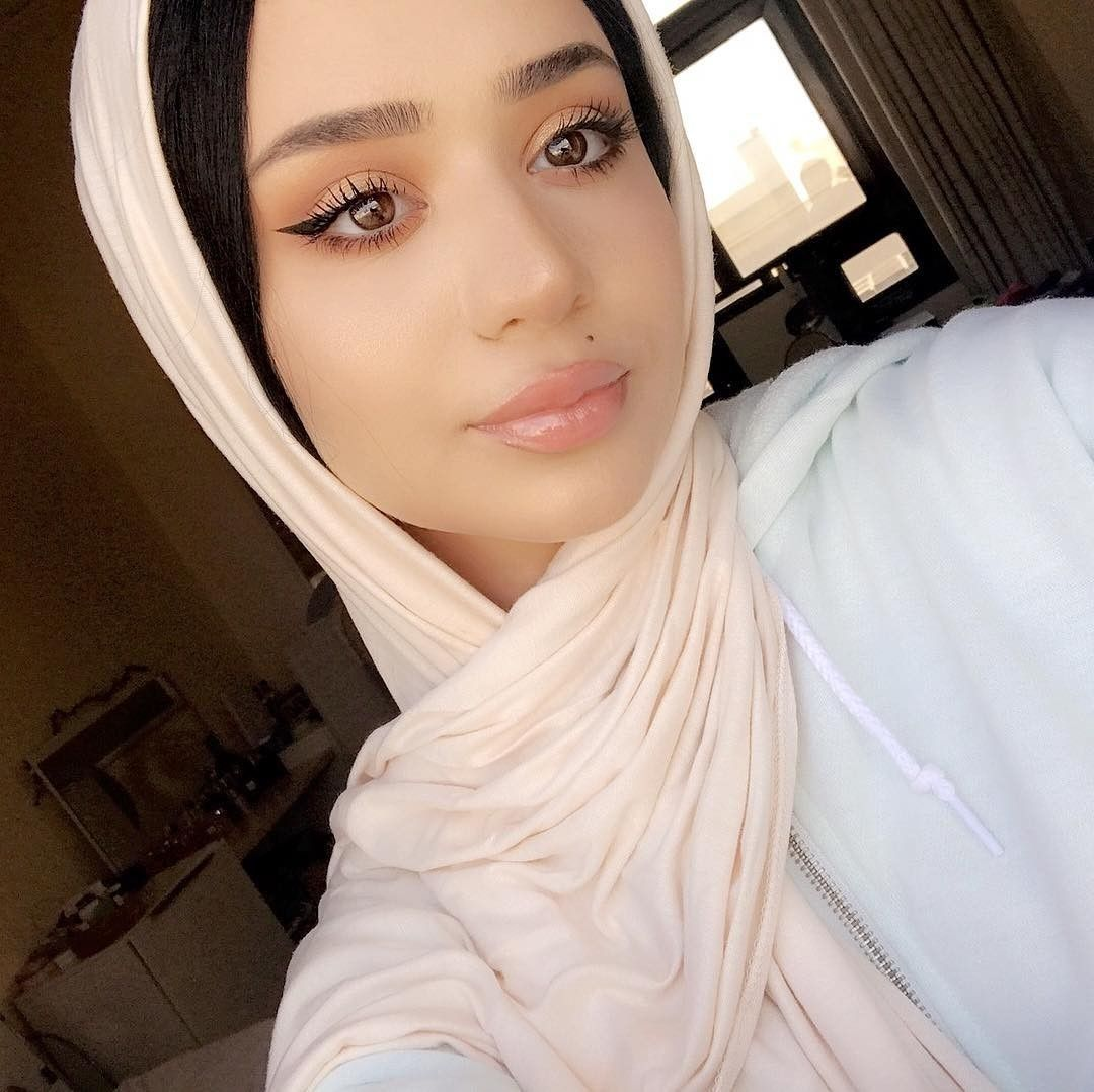 Pin by Luxyhijab on Hijabis Makeup Looks / مكياج المحجبات