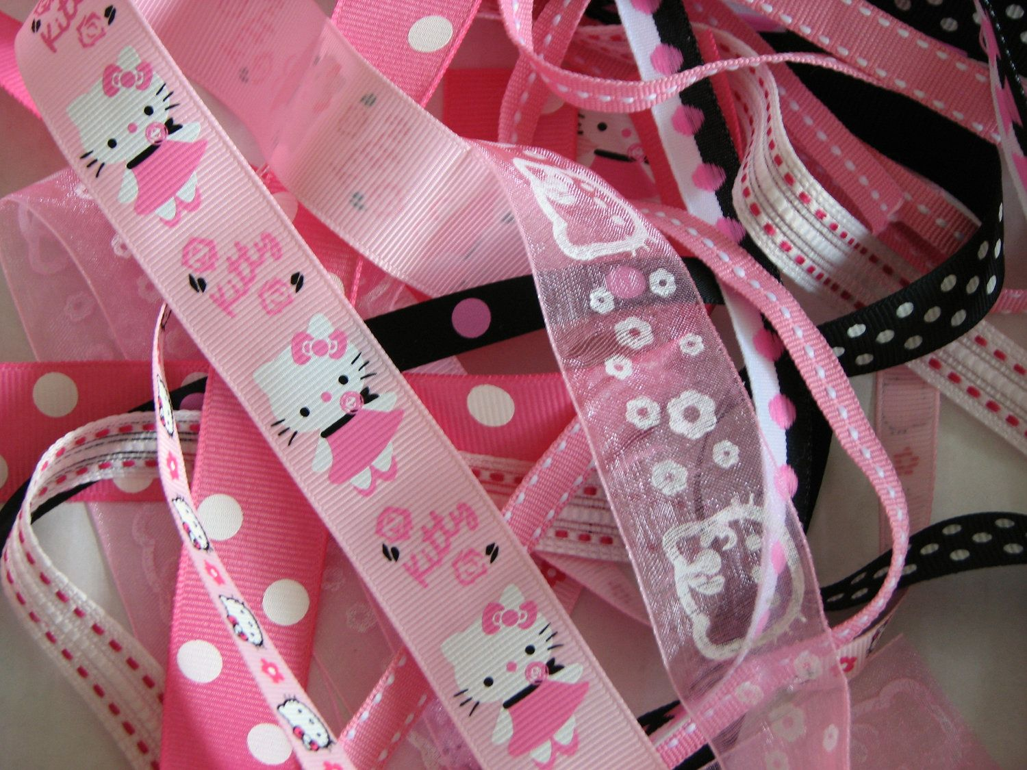 Hello Kitty Pinks Amp Blacks Ribbon Kit 10 Yds Of Assorted