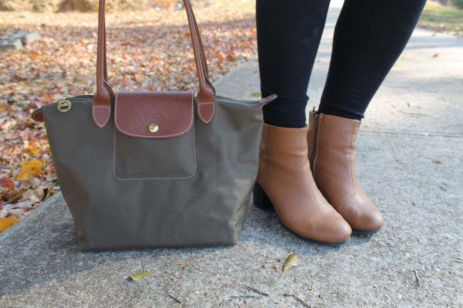 "d6430377f2a6 Longchamp Le Pliage review   ""what s in my bag "" 11.15.14"
