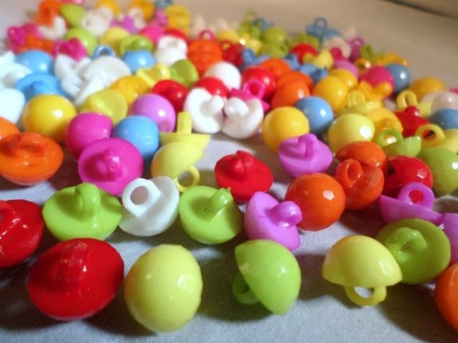 8 x Shanked Acrylic Buttons Various Colours Available 14mm Ladybird
