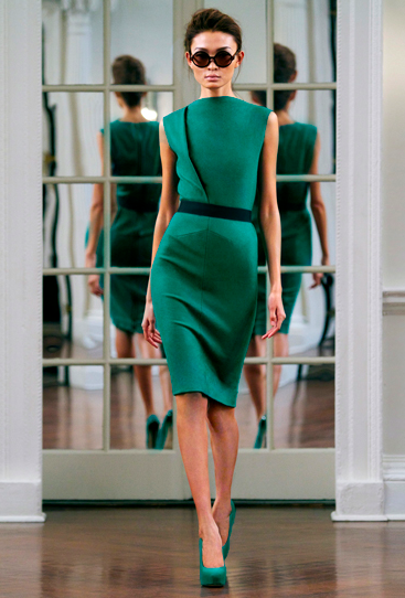 emerald fitted dress. love.