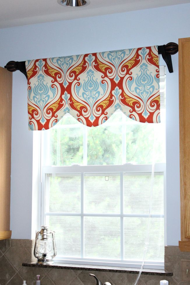 Waverly Kitchen Curtain