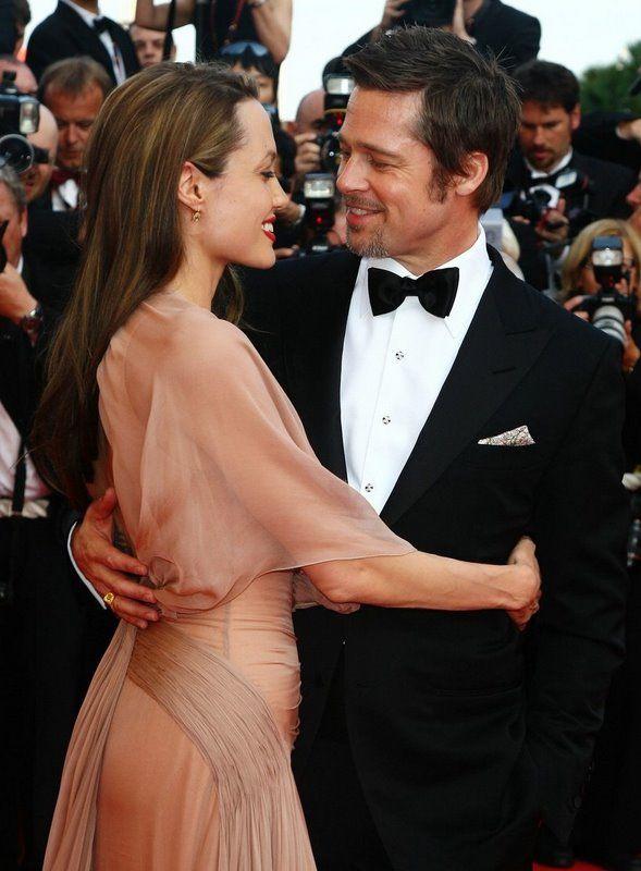 Angelina Jolie & Brad Pitt: Hottest Hollywood Couple!