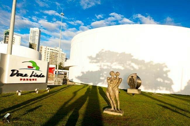 O Parque Dona Lindu recebeu este nome em homenagem a mãe do Ex- Presidente da República, Luiz Inácio Lula da Silva.
