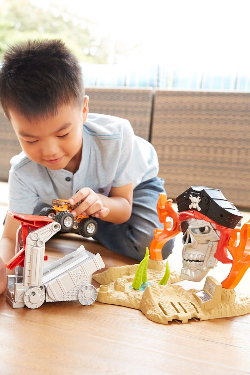 Hot Wheels Monster Jam Pirate Takedown Play Set Shop Hot Wheels Cars Trucks Hot Wheels Monster Jam Monster Jam Toys Hot Wheels