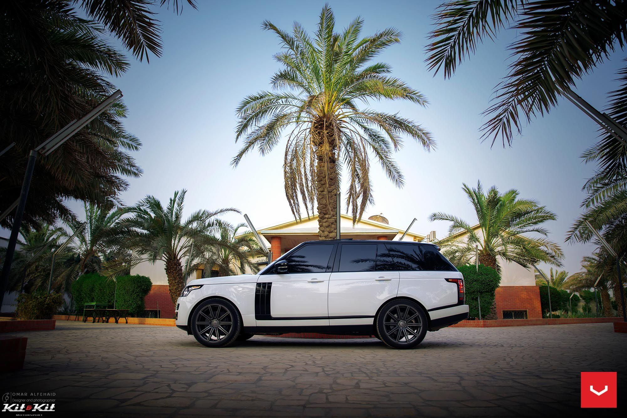 Classy Vossen Wheels on a Range Rover Vogue