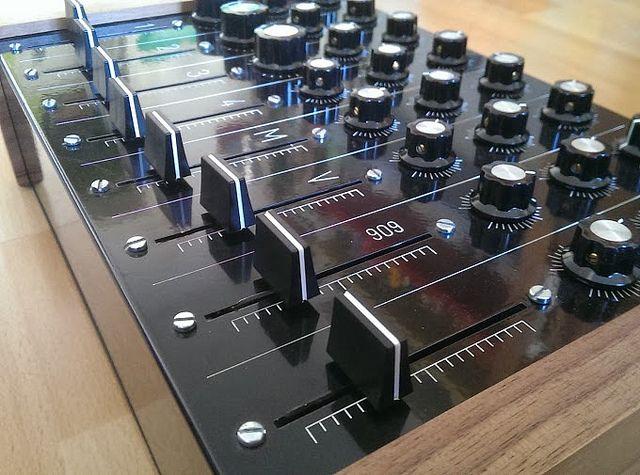 Midi Controller Custom : custom midi controller in 2019 midi controllers midi keyboard music dj equipment ~ Russianpoet.info Haus und Dekorationen